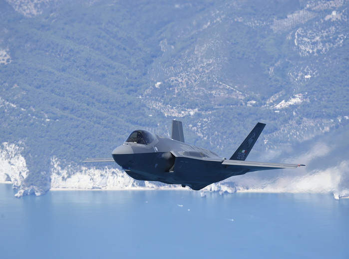 F - 35 Joint Strike Fighter